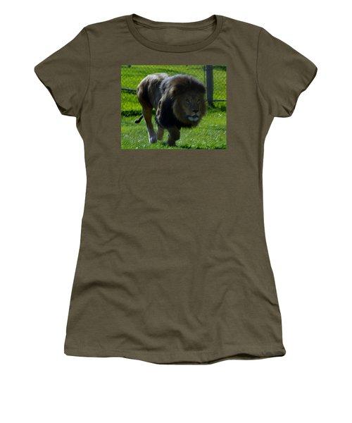 Lion 4 Women's T-Shirt (Athletic Fit)