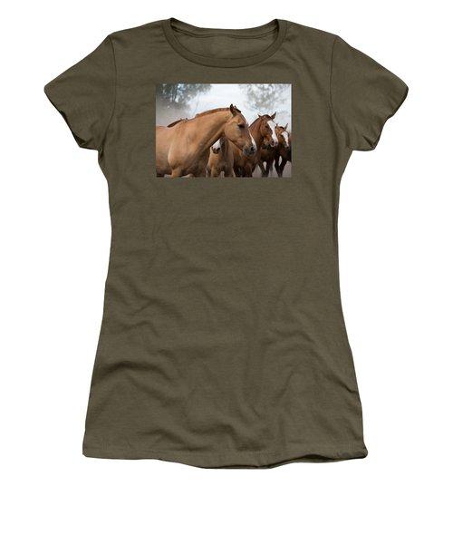 Los Caballos De La Estancia Women's T-Shirt