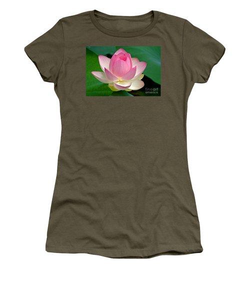 Lotus 7152010 Women's T-Shirt