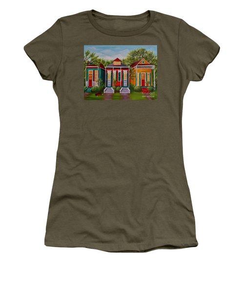 Louisiana Loves Shotguns Women's T-Shirt (Athletic Fit)