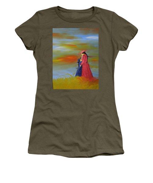 Mama's Love Women's T-Shirt