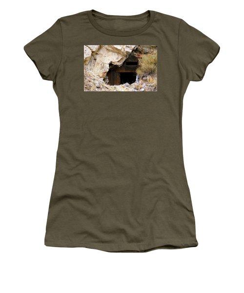 Mining Backbone Women's T-Shirt (Athletic Fit)