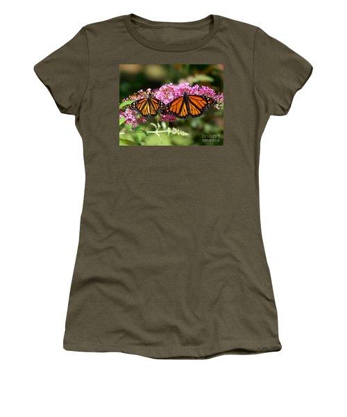 Monarch Butterflies Women's T-Shirt (Junior Cut)
