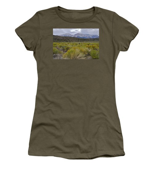 Mono Basin Lee Vining 1 Women's T-Shirt (Athletic Fit)
