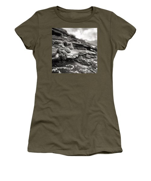 Moss In Jance Women's T-Shirt