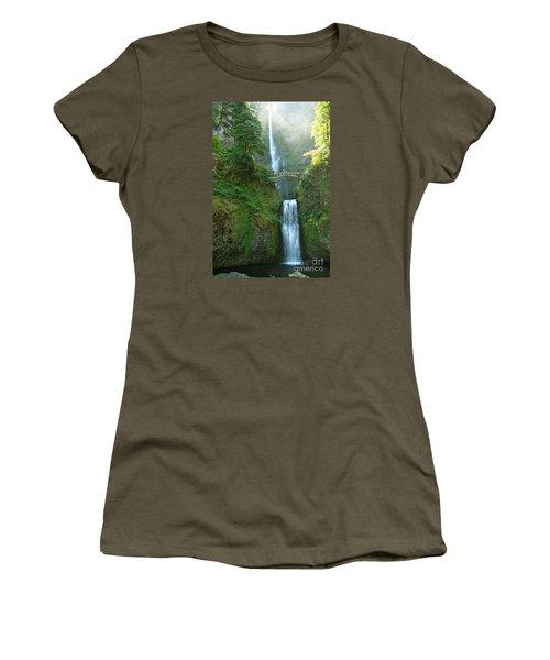 Multnomah Falls Women's T-Shirt (Junior Cut) by Christiane Schulze Art And Photography