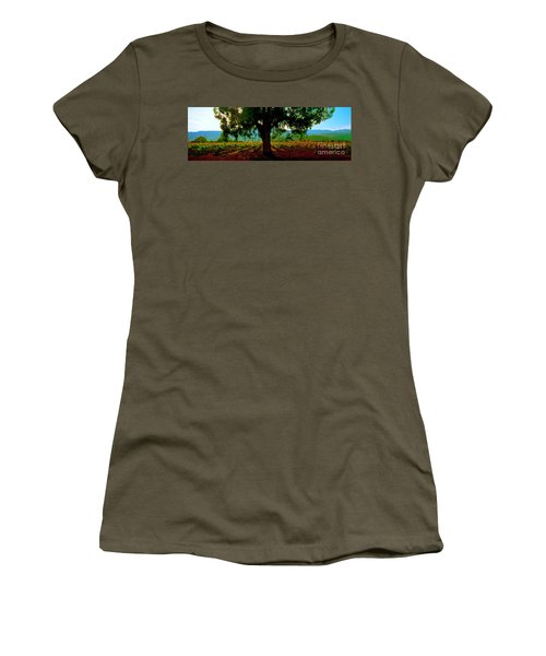 Napa Valley Ingenook Winery Roadside Women's T-Shirt (Athletic Fit)