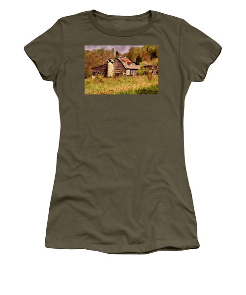 Newton Township Barn Women's T-Shirt (Athletic Fit)