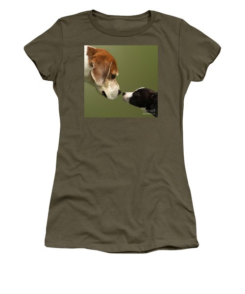Nose To Nose Dogs 2 Women's T-Shirt (Athletic Fit)