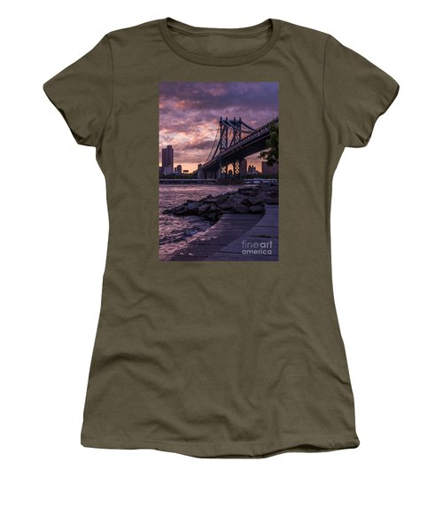 Nyc- Manhatten Bridge At Night Women's T-Shirt