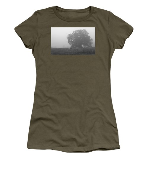 Oak In The Fog Women's T-Shirt (Athletic Fit)