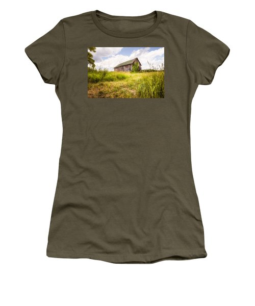 Women's T-Shirt (Junior Cut) featuring the photograph Old Barn In Ontario County - New York State by Gary Heller