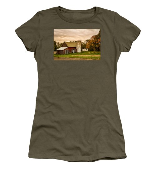 Old Red Barn And Silo Women's T-Shirt