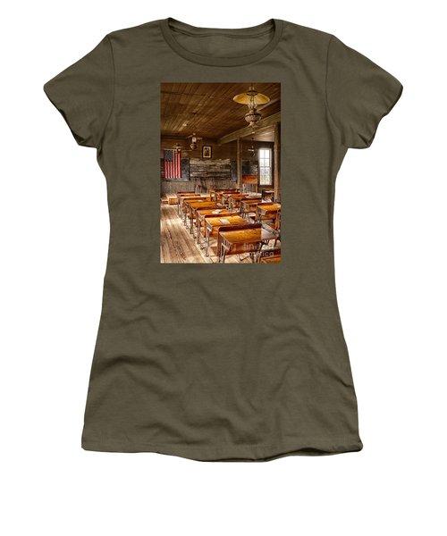 Old Schoolroom Women's T-Shirt