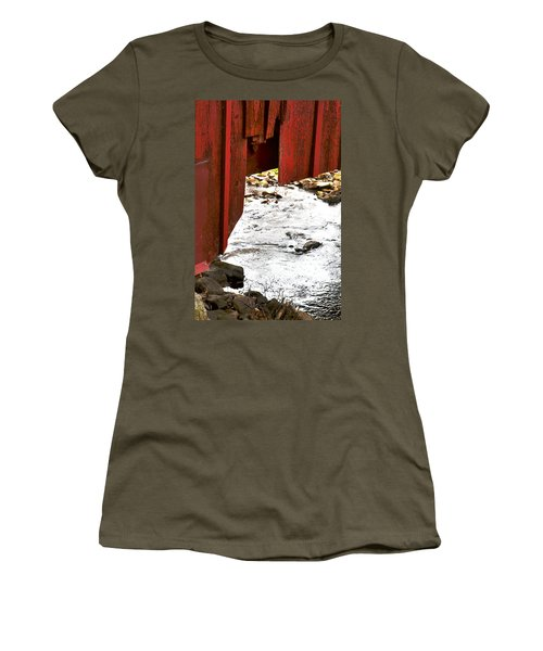 Overhang Women's T-Shirt