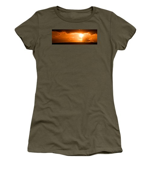 Panoramic Photo Of Sunset At Monkey Mia  Women's T-Shirt