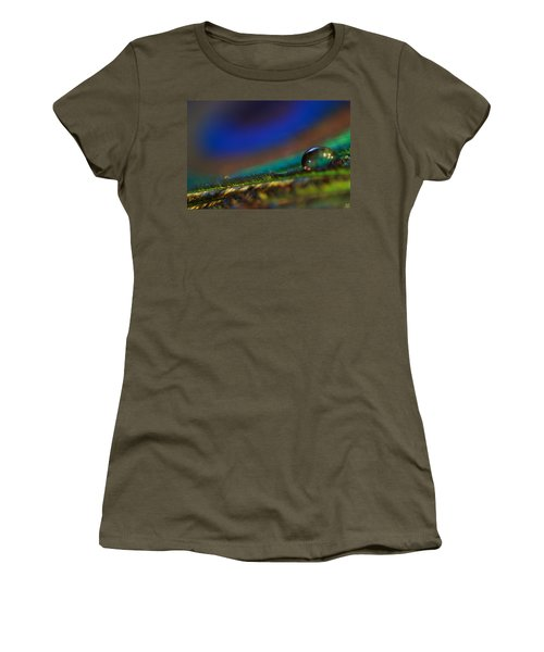 Peacock Drop Women's T-Shirt (Athletic Fit)