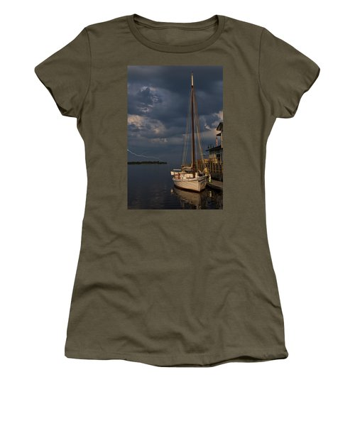 Preparing For The Storm Women's T-Shirt