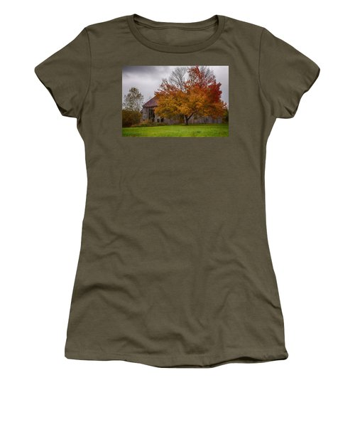 Women's T-Shirt (Junior Cut) featuring the photograph Rainbow Of Color In Front Of Nh Barn by Jeff Folger