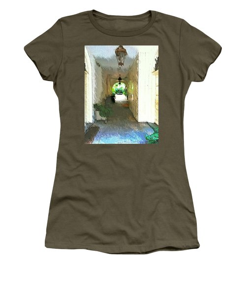 Royal Entrance Women's T-Shirt