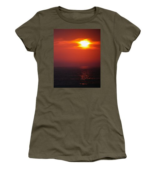 Sailor Take Warning... Women's T-Shirt