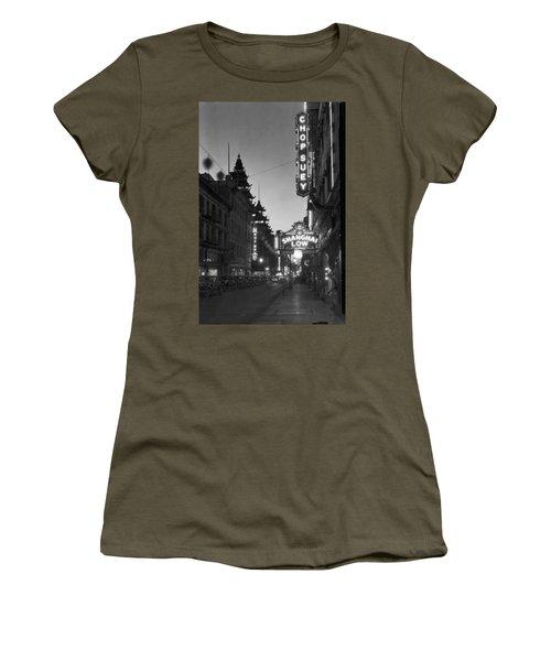 San Francisco�s Grant Avenue Women's T-Shirt