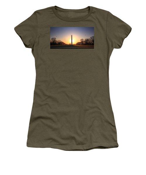 Setting Sun On Washington Monument Women's T-Shirt