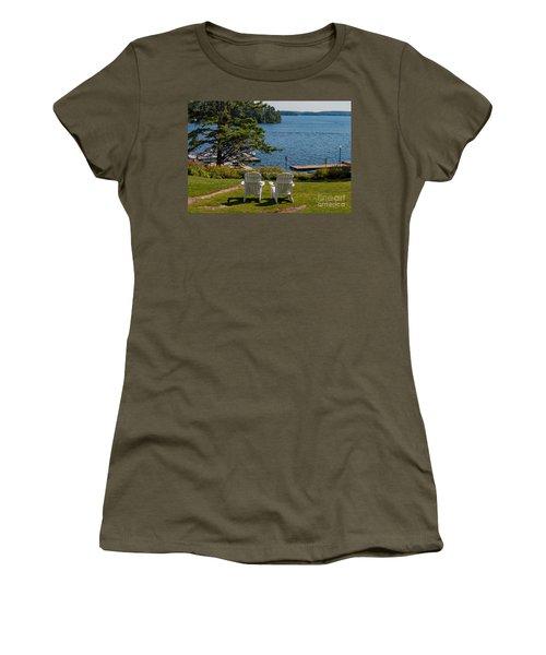 Sitting Pretty Women's T-Shirt (Junior Cut) by Les Palenik