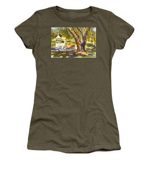 Sleepy Summers Morning Women's T-Shirt