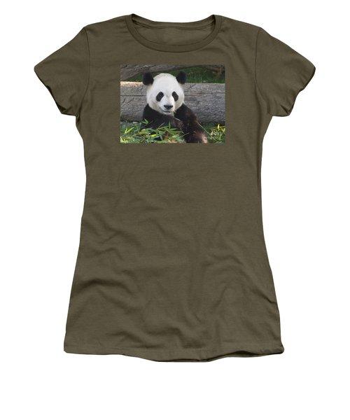 Smiling Giant Panda Women's T-Shirt (Junior Cut) by Lingfai Leung