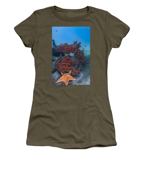 Sponges And A Star Women's T-Shirt