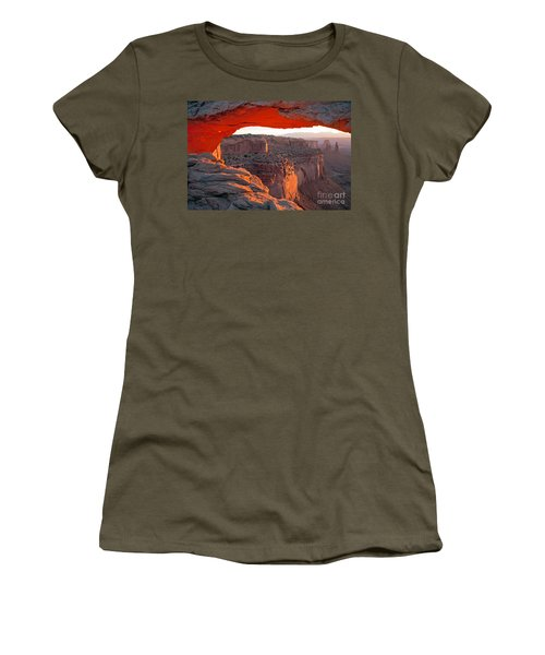 Sunrise Mesa Arch Canyonlands National Park Women's T-Shirt