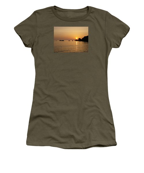 Sunset Crooklets Beach Bude Cornwall Women's T-Shirt (Junior Cut) by Richard Brookes