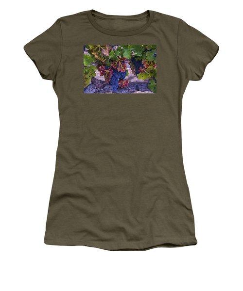Sweet Wine Grapes Women's T-Shirt
