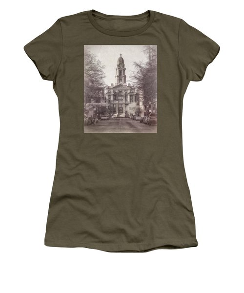 Tarrant County Courthouse Women's T-Shirt