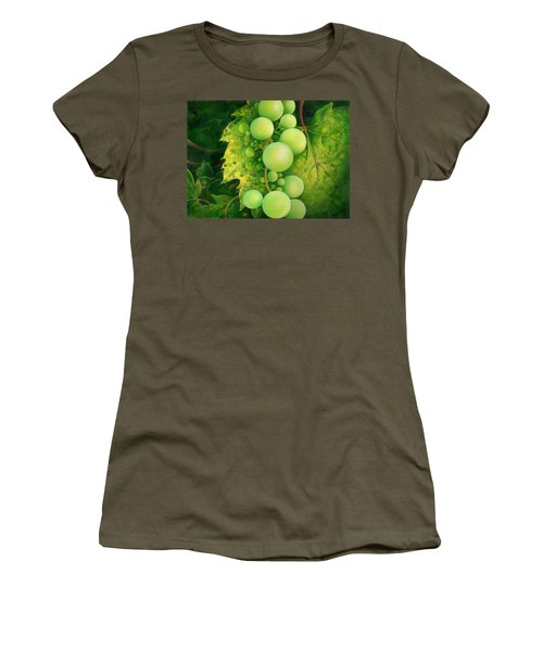 The Grapes Women's T-Shirt (Athletic Fit)