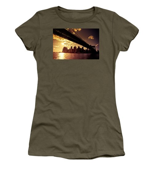 The New York City Skyline - Sunset Women's T-Shirt (Athletic Fit)