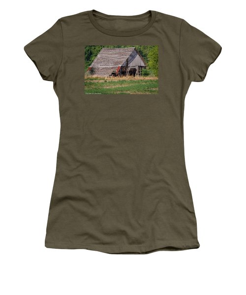 Women's T-Shirt (Junior Cut) featuring the photograph The Old Gray Barn by Nick Kirby