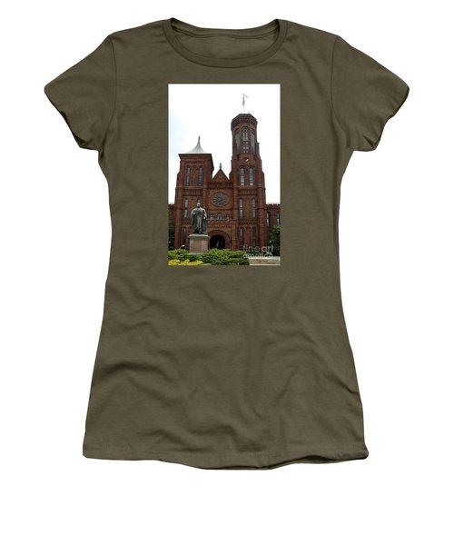 The Smithsonian - Washington Dc Women's T-Shirt (Junior Cut) by Christiane Schulze Art And Photography