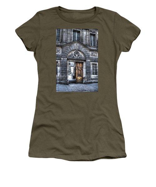 The Wooden Door Women's T-Shirt