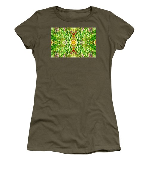 Tiki Idols In The Grass  Women's T-Shirt (Athletic Fit)