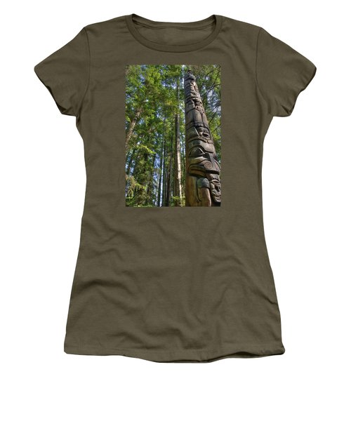 Totem Pole Women's T-Shirt (Athletic Fit)