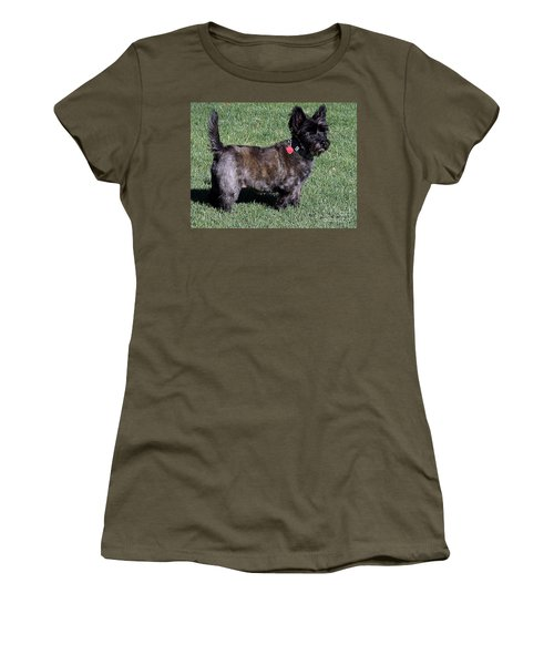 Toto's Sister Sweetpee Women's T-Shirt (Athletic Fit)