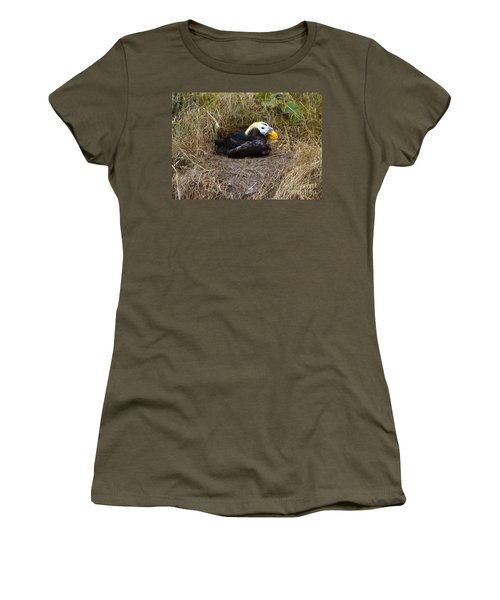 Tufted Puffin Women's T-Shirt (Athletic Fit)