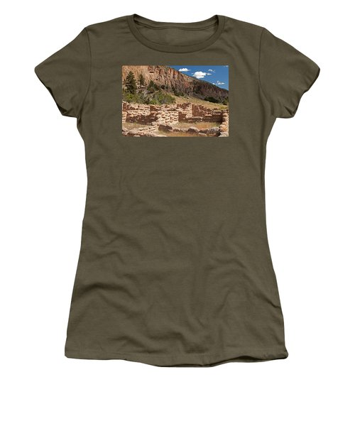 Tyuonyi Bandelier National Monument Women's T-Shirt (Athletic Fit)