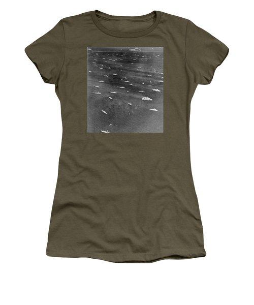 U.s. Navy Wwii Task Force Women's T-Shirt