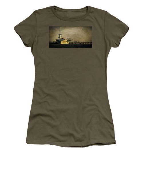 Uss Yorktown Cv10 Women's T-Shirt (Athletic Fit)