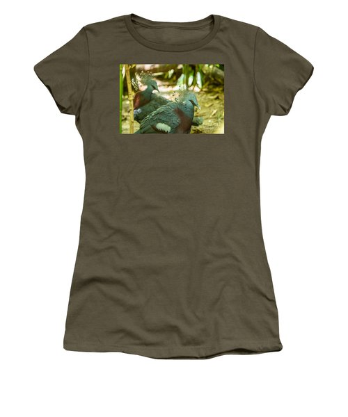 Victoria Crowned Pigeon Women's T-Shirt