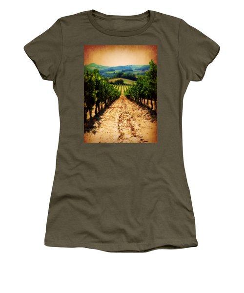 Vigneto Toscana Women's T-Shirt