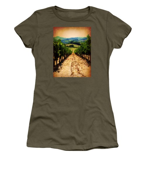 Vigneto Toscana Women's T-Shirt (Athletic Fit)